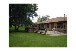 8104 S 35th St - Franklin, WI 53132