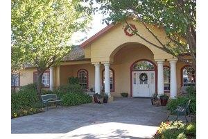 750 N McDowell Blvd - Petaluma, CA 94954