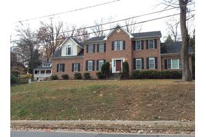 6809 Woodland Dr - Falls Church, VA 22046