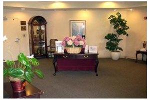 Photo 2 - Somerford Place of Fresno, 6075 North Marks Avenue, Fresno, CA 93711