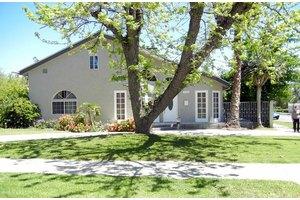 5104 Varna Ave - Sherman Oaks, CA 91423