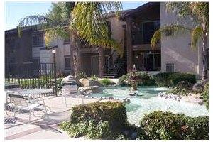 551 North Santa Fe Street - Hemet, CA 92543