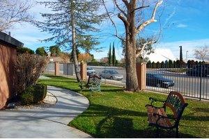 18524 Corwin Rd - Apple Valley, CA 92307