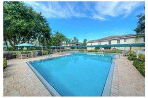 Photo 13 - Aston Gardens at The Courtyards, 231 Courtyards Blvd., Sun City Center, FL 33573