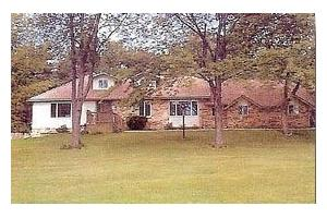 12264 Carriage Trail Cir - Davisburg, MI 48350