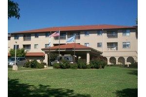 1601 Academy Rd - Ponca City, OK 74604