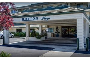 Horton Plaza, Medford, OR