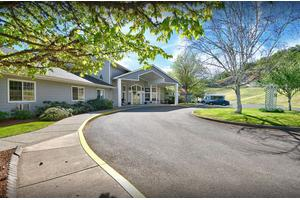 Bridgewood Rivers Assisted Living, Roseburg, OR