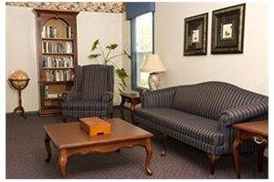 Photo 5 - Commmonwealth Senior Living at Gloucester House, 7657 Meredith Drive, Gloucester, VA 23061