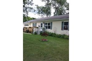 1026 Maple St - Albion, MI 49224
