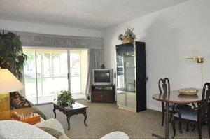 4201 Springtree Dr - Sunrise, FL 33351