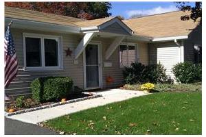 6454 Main St - Trumbull, CT 06611