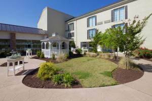 Commonwealth Senior Living at Leigh Hall, Norfolk, VA