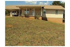 3965 Pucketts Rd - Snellville, GA 30039
