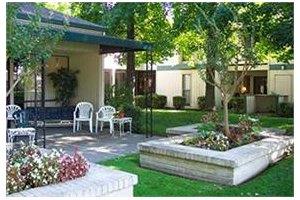 6350 Riverside Boulevard - Sacramento, CA 95831
