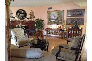 7711 Van Noord Ave - North Hollywood, CA 91605