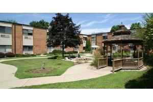 Champaign Urbana Nursing & Rehab Center, Savoy, IL