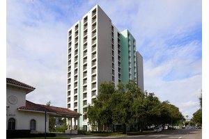 Peterborough Apartments, St Petersburg, FL