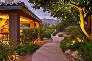 5825 N Escondido - Tucson, AZ 85704