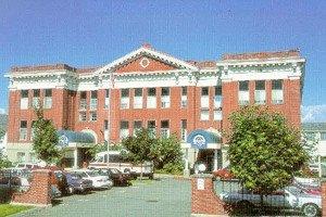 Photo 2 - Washington Oakes, 1717 Rockefeller Avenue, Everett, WA 98201