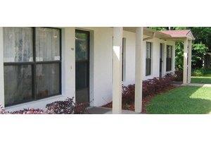 Cedar Oaks Apartments, Holly Hill, FL