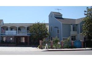 18700 Burbank Blvd - Tarzana, CA 91356