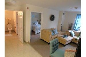 124 Noyes Dr - Park Ridge, NJ 07656