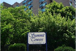 Summit Towers, Knoxville, TN