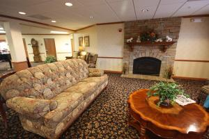 6960 State Route 162 - Maryville, IL 62062