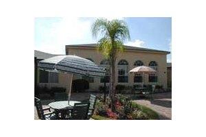 Photo 4 - Savannah Court at Lakeland, 6550 N. Socrum Loop Rd, Lakeland, FL 33809
