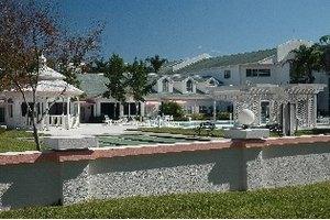 900 W Lake Rd - Palm Harbor, FL 34684