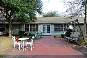 2910 Toccoa St - Beaumont, TX 77703