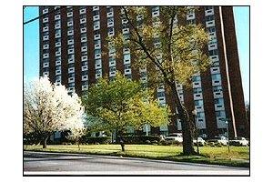 1330 Forsyth Street - Macon, GA 31201