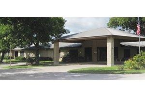 Floresville Residence & Rehabilitation, Floresville, TX