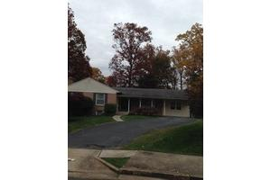 6442 Gerard Ct - Falls Church, VA 22043
