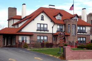 Clepper Manor, Sharon, PA