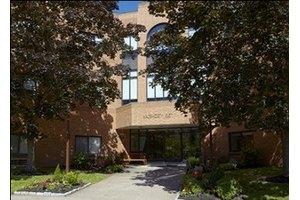 Wadsworth Glen Health Care, Middletown, CT