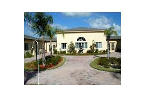 Photo 1 - Savannah Court at Lakeland, 6550 N. Socrum Loop Rd, Lakeland, FL 33809