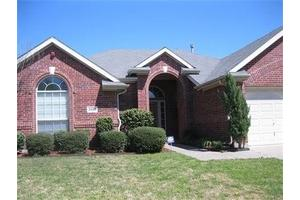 2826 Rochester Ct - Grand Prairie, TX 75052