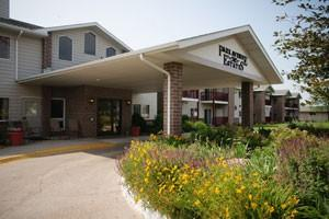 1811 Ridgeway Dr - Lexington, NE 68850