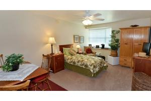 9797 Bay Pines Blvd - Saint Petersburg, FL 33708