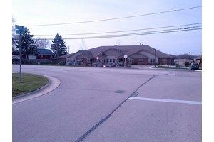 8861 S 13th St - Oak Creek, WI 53154