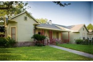 801 Gramman - Beeville, TX 78102