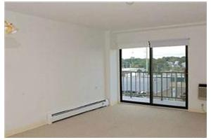 Photo 4 - Jaclen Tower Apartments, 215 Rantoul Street, Beverly, MA 01915