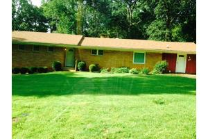 1116 Allgood Rd - Stone Mountain, GA 30083