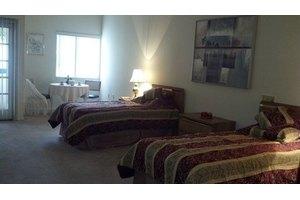 6951 Lennox Ave - Van Nuys, CA 91405