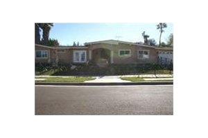 24312 Caris St - Woodland Hills, CA 91367