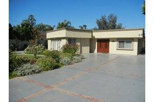5711 Beckford Ave - Tarzana, CA 91356