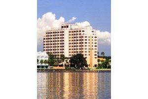4902 Bayshore Boulevard - Tampa, FL 33611