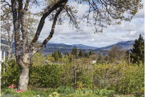 2450 May St - Hood River, OR 97031